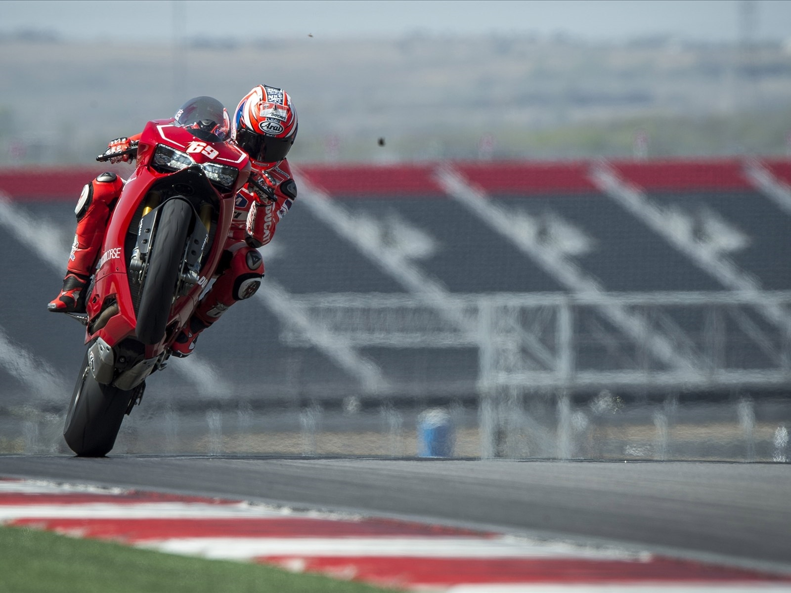 Superbike Hd Wallpaper Full Screen: Ducati Superbike Download Wallpaper