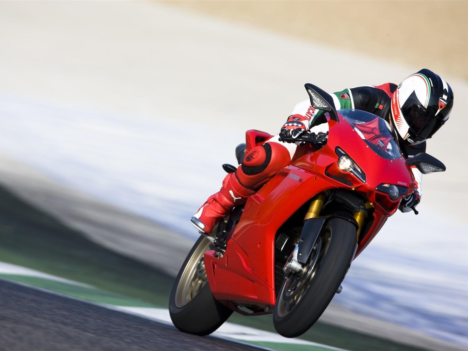 Ducati Superbike Hd Pics