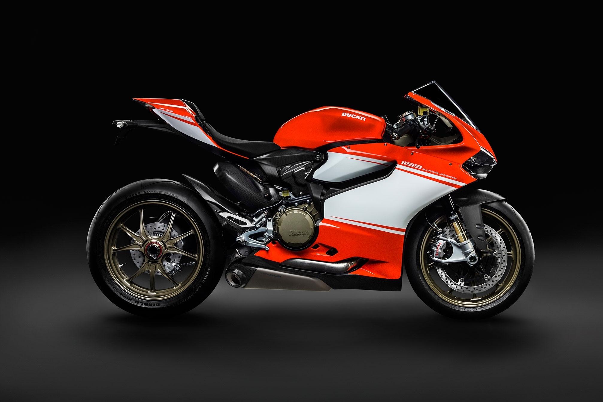 ducati superbike image