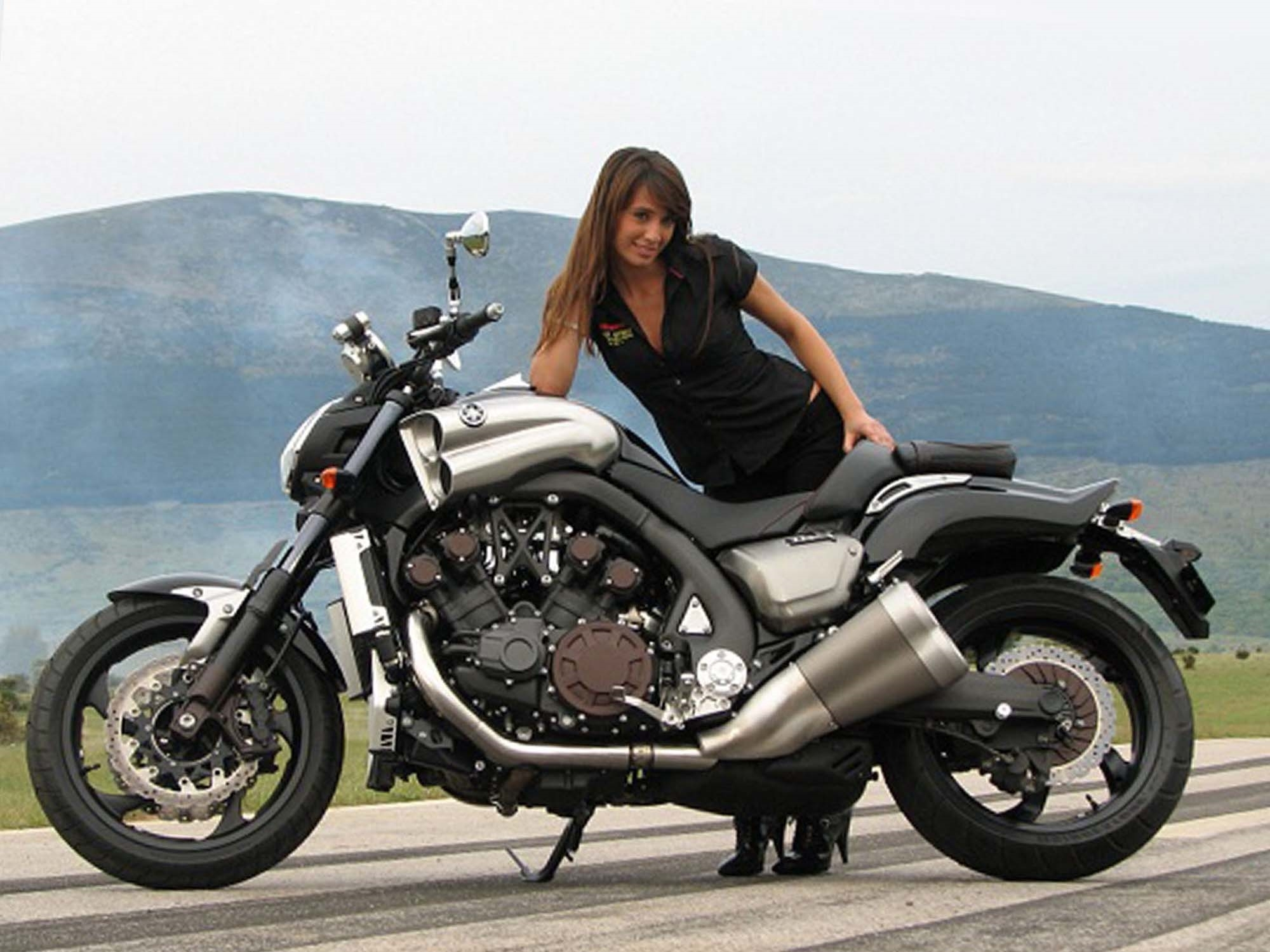 yamaha v max background