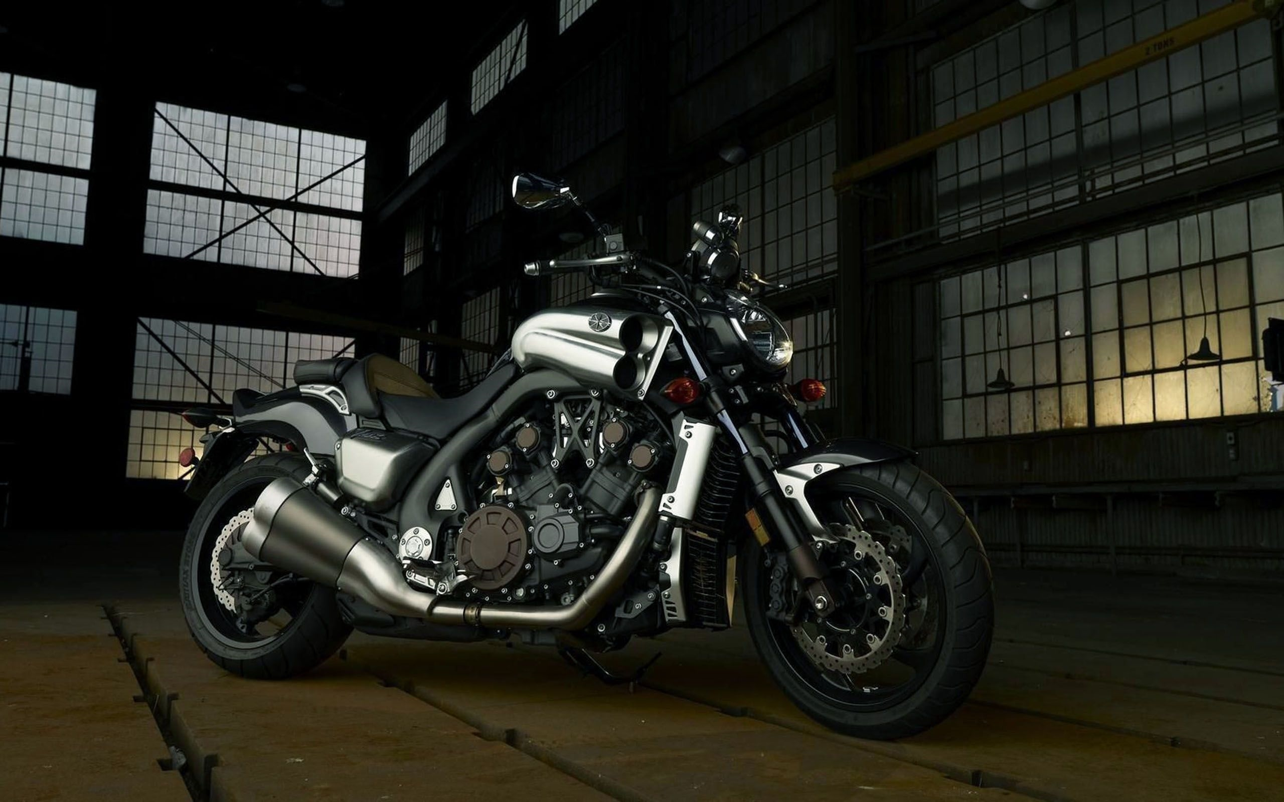 Yamaha V Max Full Hd
