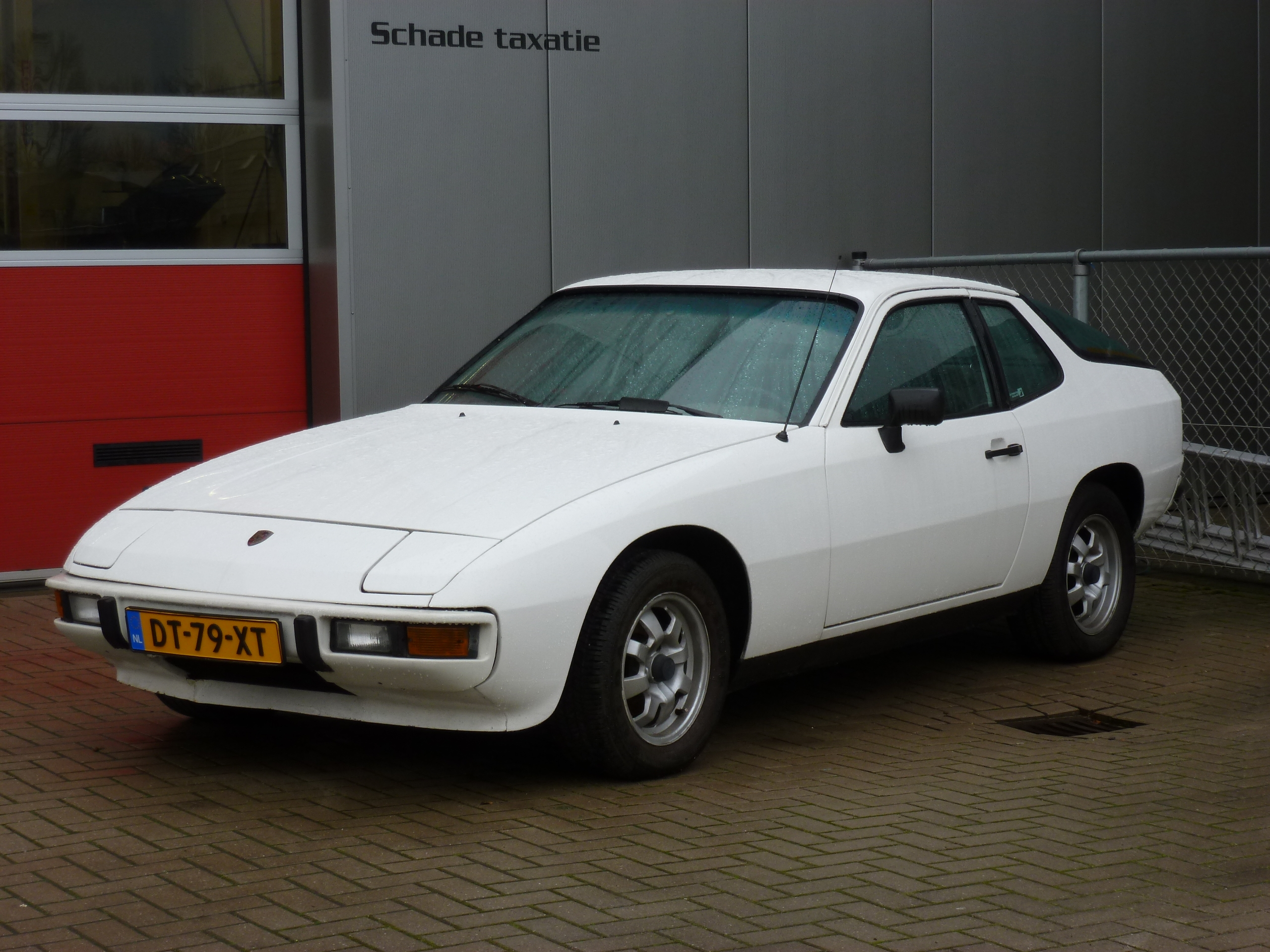 porsche 924 free wallpapers