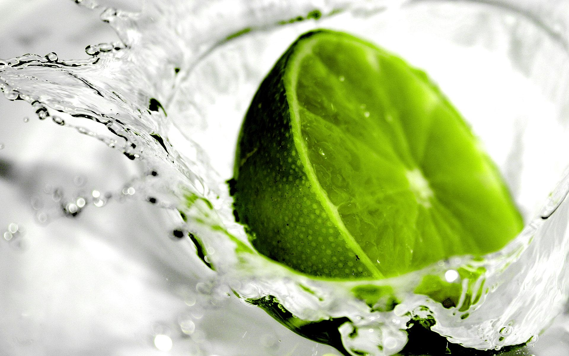 green lemon water splash hd wallpaper