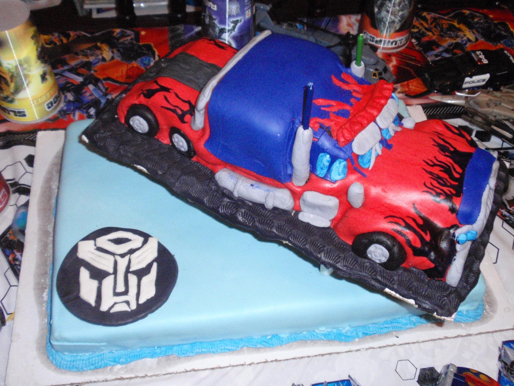Large Childrens Birthday Cake