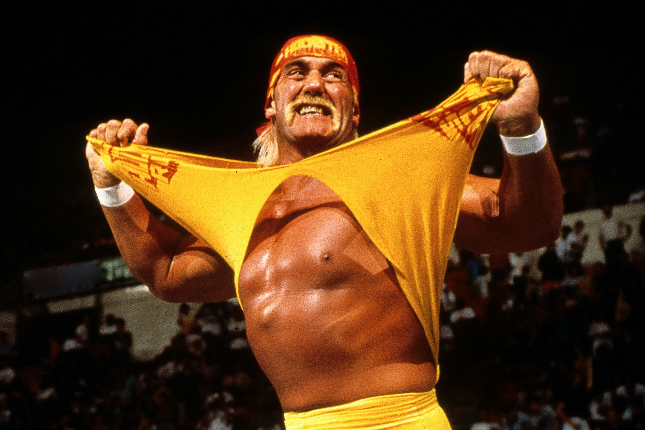 hulk hogan wwe yellow t shirt